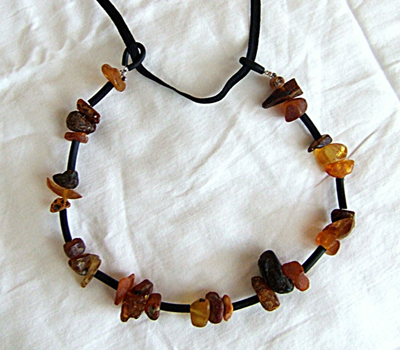 amber-necklace-3.jpg